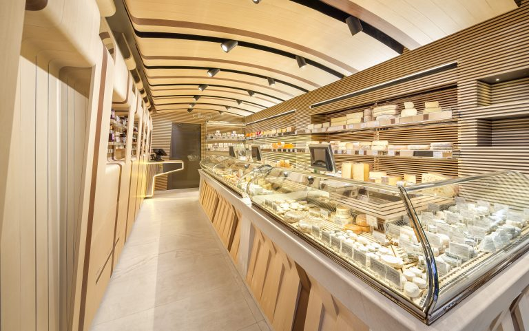 The project Fromagerie Alléosse on Retail Design Blog