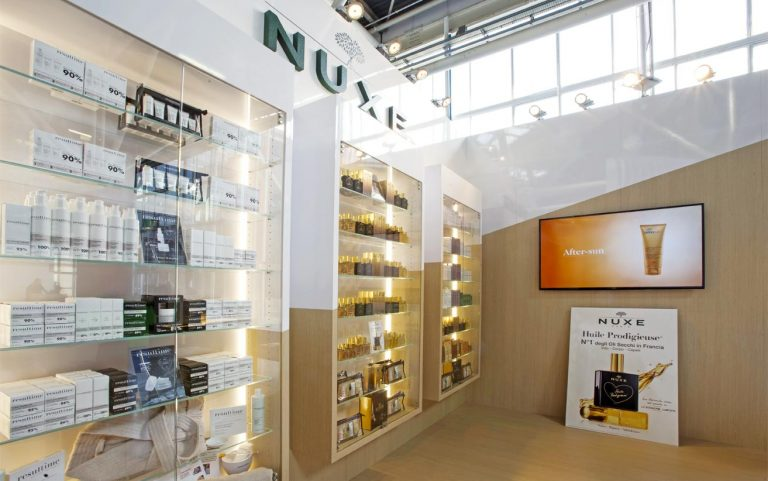 The stand of Laboratoire Nuxe Italy to Cosmofarma signed AMlab