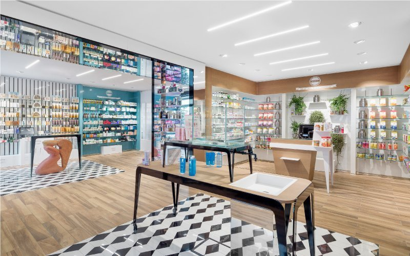 Farmacia Beduschi: a genius loci that smells like Italian Renaissance.