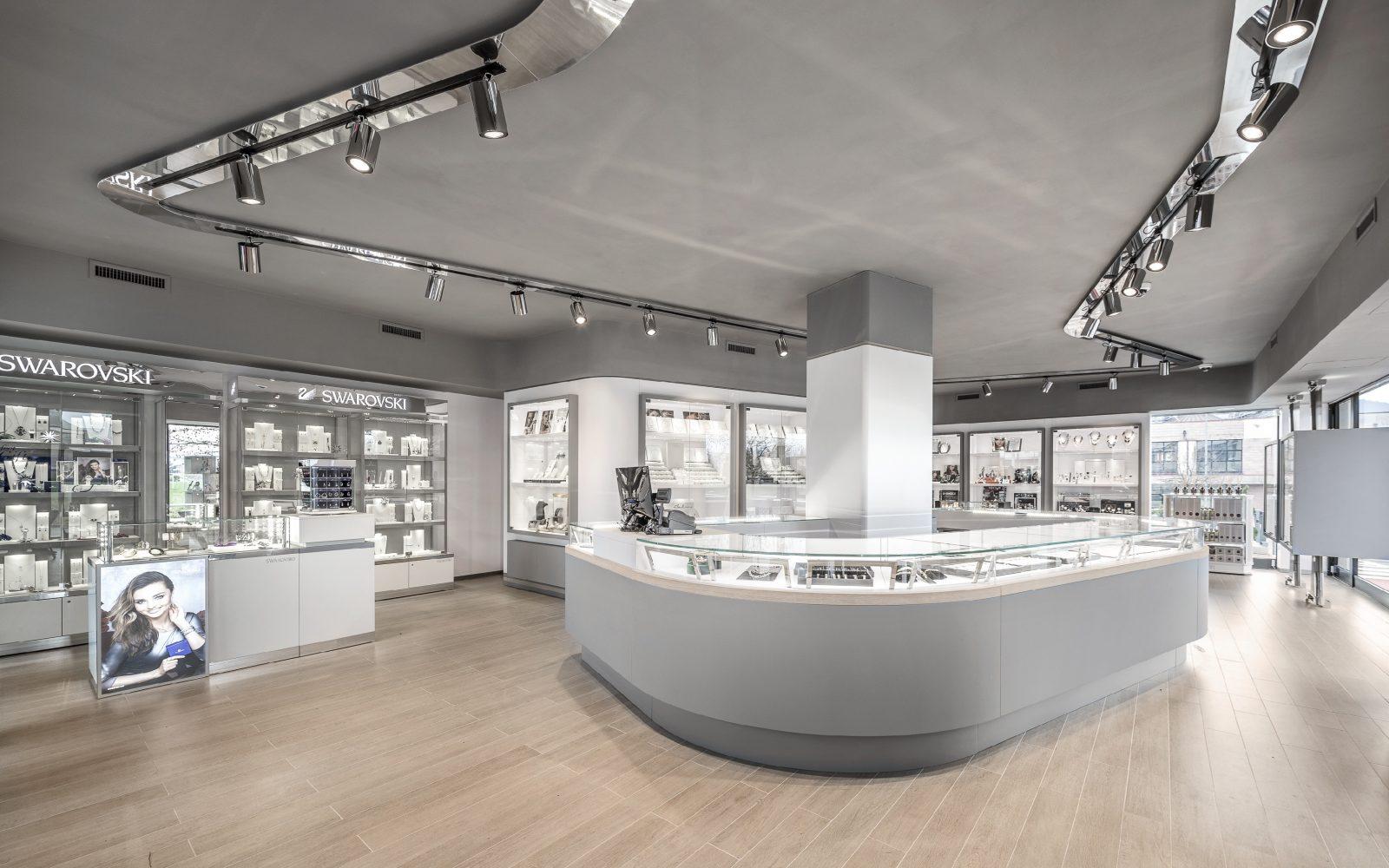 Inaugurates the new Cozzari Jewellery