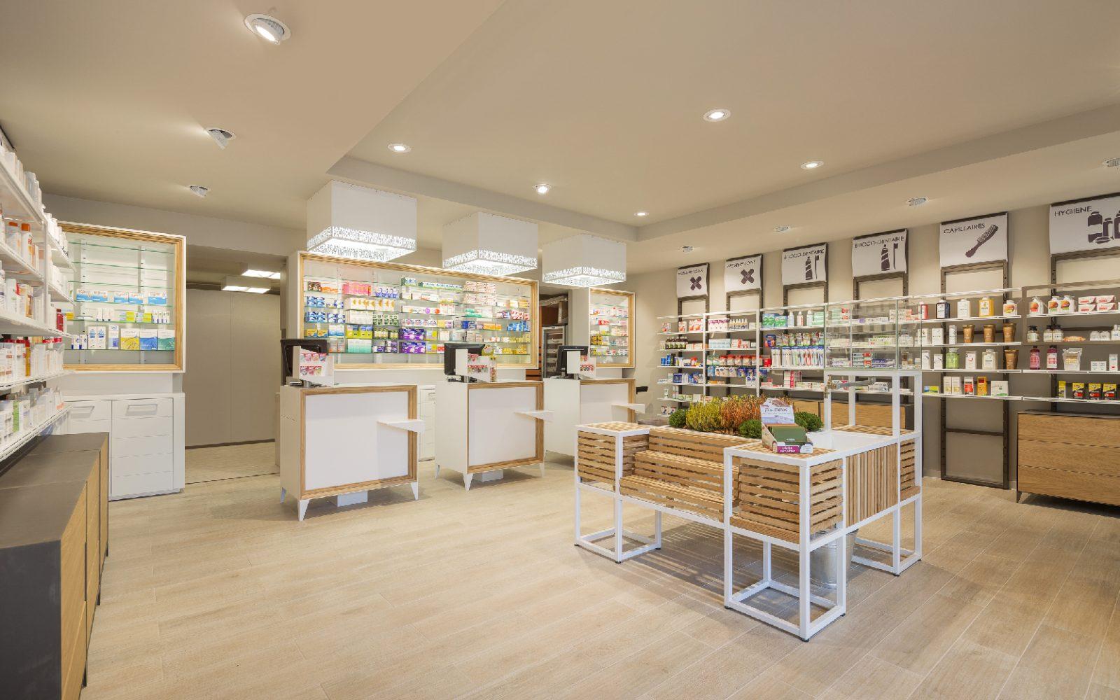 Inaugura la Pharmacie de l'Yvette